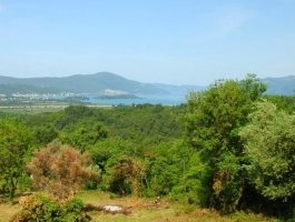 KVC009 - Large plot in Kavac with sea views