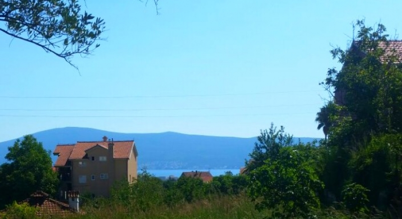 UCU001 - One urban parcel close to the center and schools with sea views